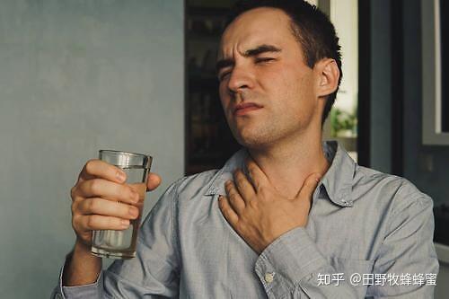 迅速缓解喉咙痛,喝蜂蜜?喉咙可以喝蜂蜜水吗?