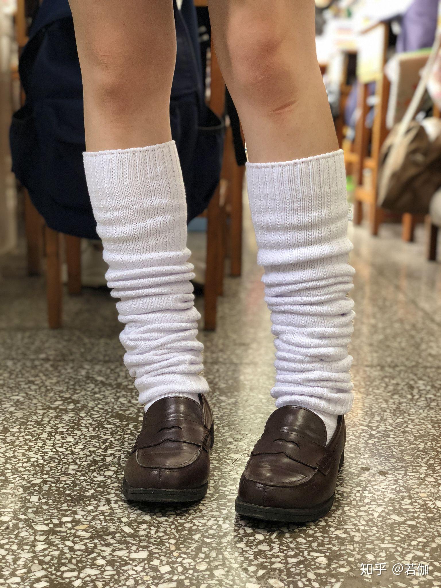 jk配白色袜子_JK制服有哪些款式呢? - 知乎