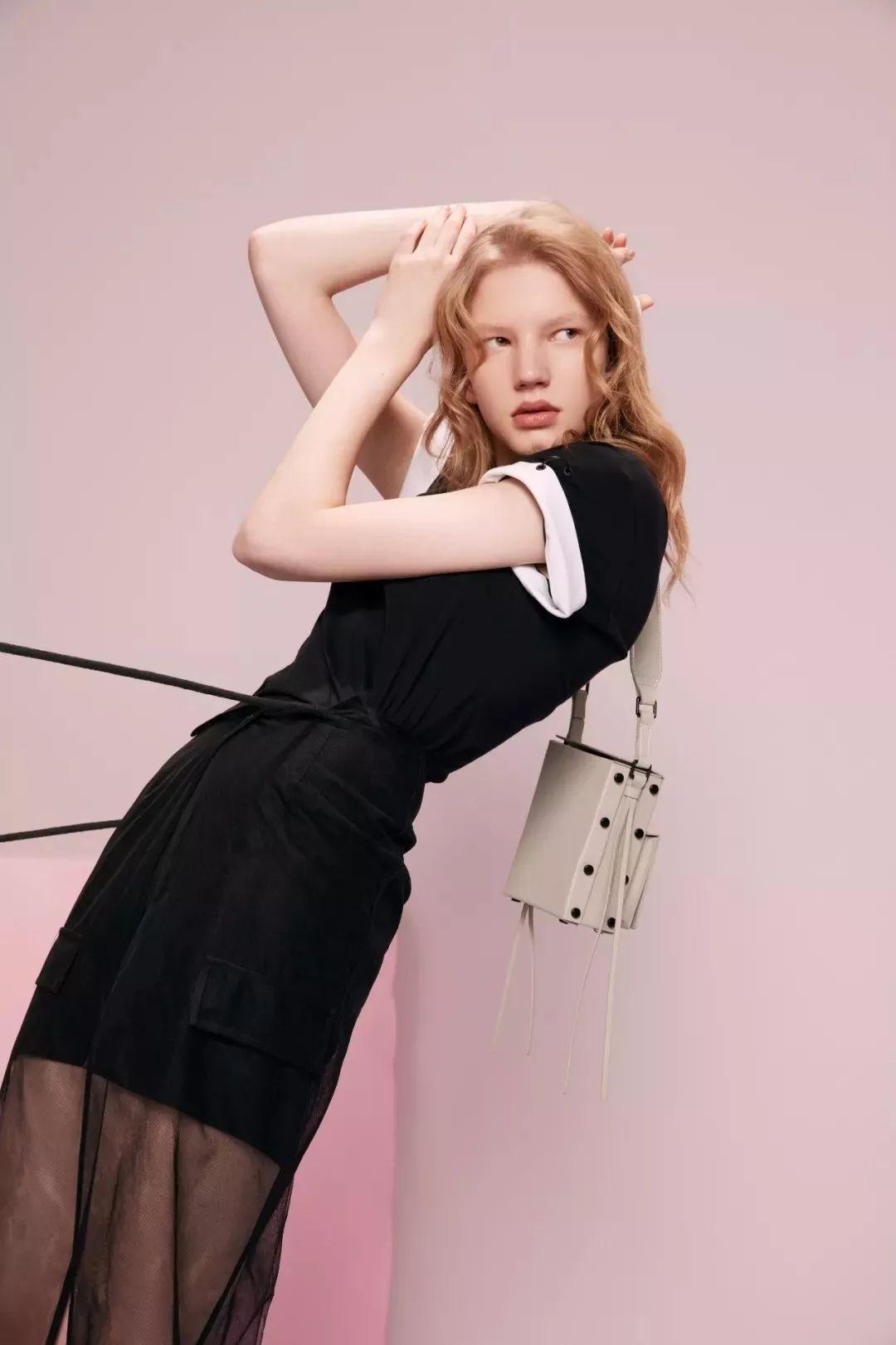"lily女装2013_成功转型为""商务时装""的本土品牌Lily是如何做到年收入30亿的 ..."