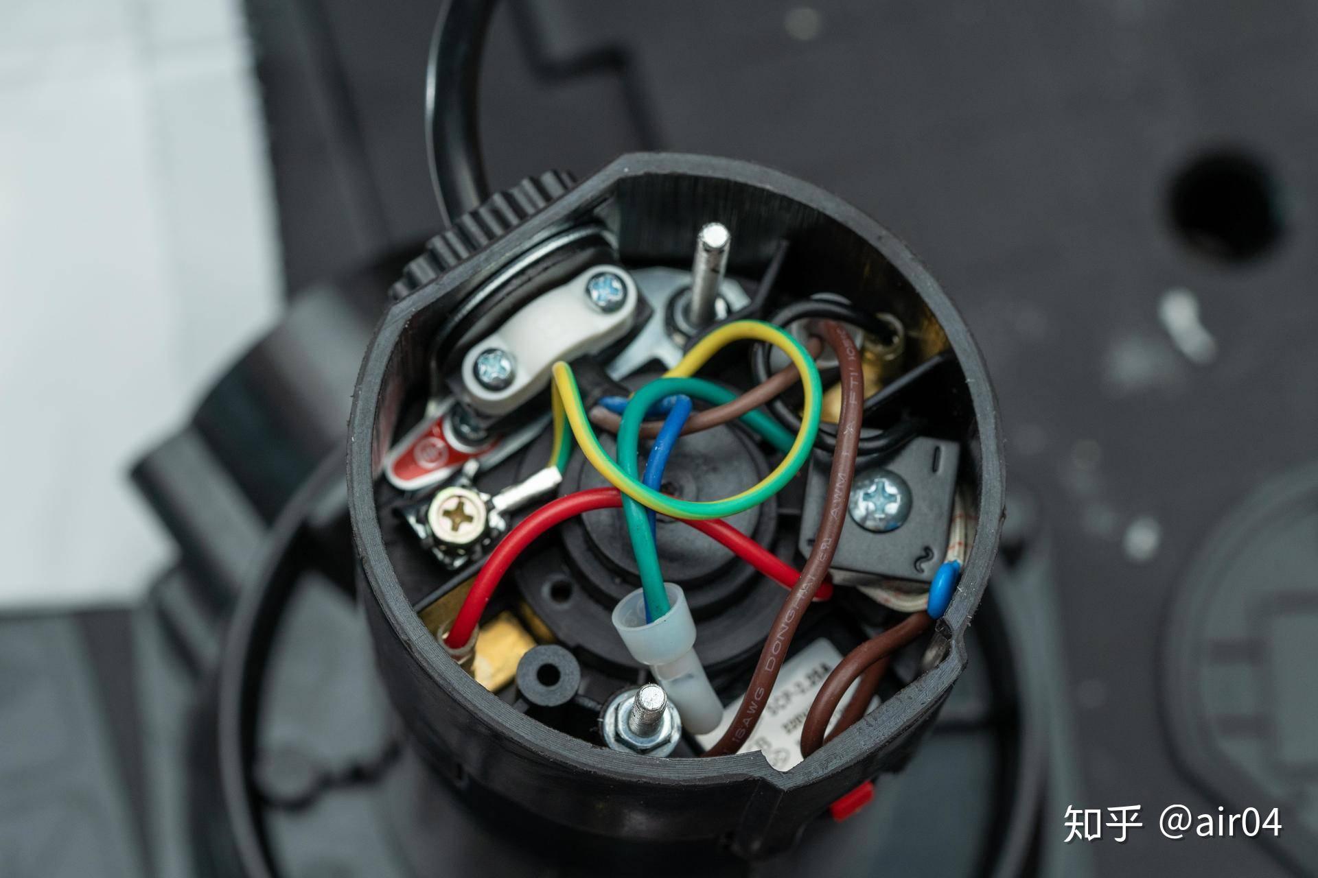 食物垃圾处理器 知乎_选不对垃圾处理器就会堵下水道 我拆了3款不同的垃圾处理器看 ...